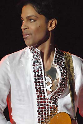 プリンスwiki Prince_at_Coachella_001