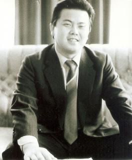 ▲駐ブルガリア大使時代(1989~94年)の金平一大使(ソフィアの北朝鮮大使館内で)