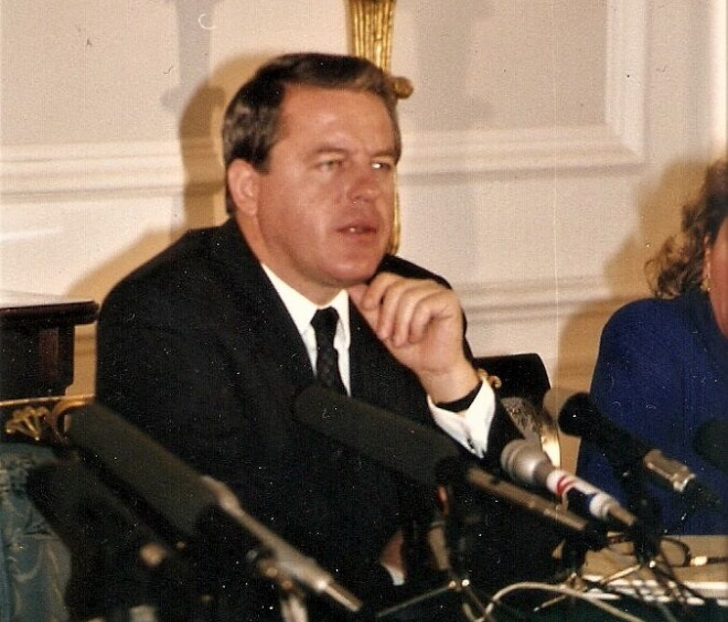 ▲社民党主導の長期政権を誇ったフラ二ツキー首相(当時)=1989年、オーストリア連邦首相府で撮影