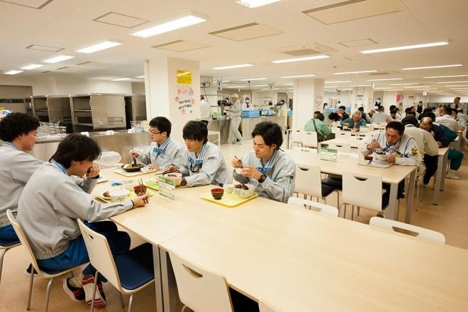 大型休憩所の食堂(東電H Pより)