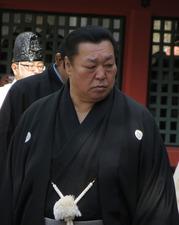 Kitanoumi_in_Sumiyoshi_Taisha_(1)_IMG_1452_20130302